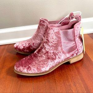 NEW! TOMS Ella Pink Crushed Velvet Ankle Boots